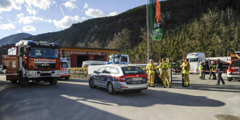 Zwei Tote bei Explosion in Lagerhalle