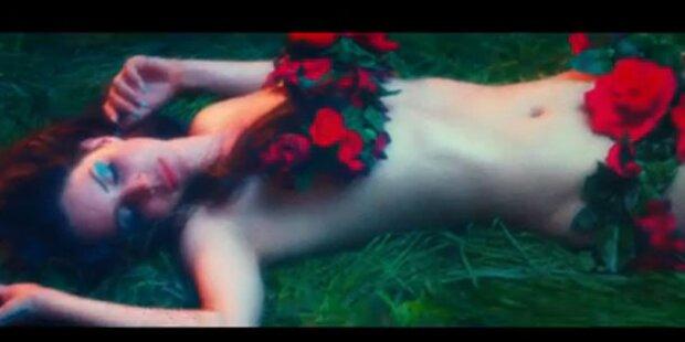 Lana Del Rey räkelt sich durchs Paradies