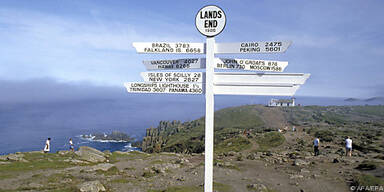 Land's End zieht zahlreiche Touristen an