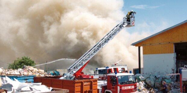Umweltalarm nach Feuer in Deponie