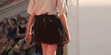 Historische Fashion Show im MQ