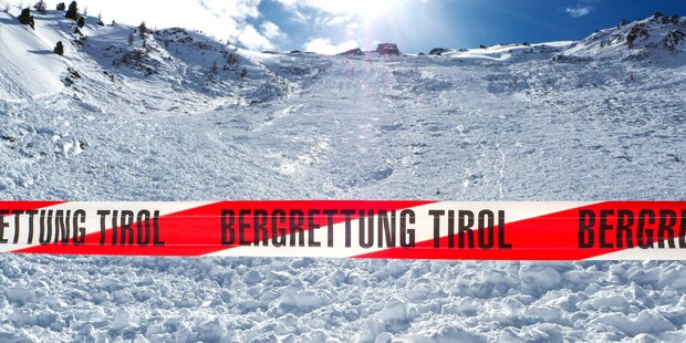 Verschüttete bei Lawinenabgängen in Tirol unverletzt geborgen