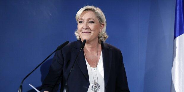 Le Pen zieht in zweite Runde ein