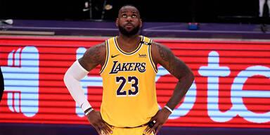 LeBron bei Lakers mit neuer Rückennummer