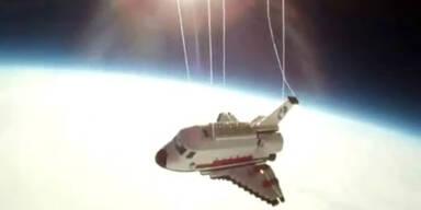 Ein Lego-Shuttle erobert das Weltall