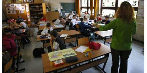 Sparmaßnahmen bei Lehrer-Gehältern bringen 143 Mio.