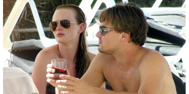 Leo DiCaprio turtelt mit Anne am Strand