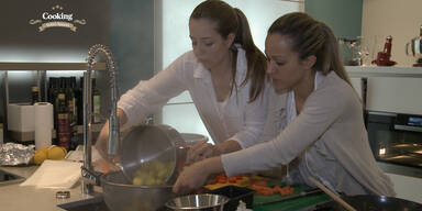 Leserküche: Lisa & Isabella kochen Gemüsestrudel