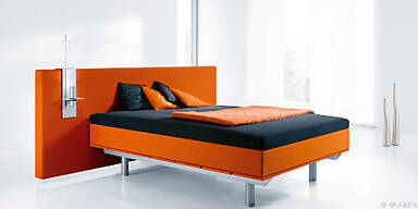 Leutendes Orange mit dezenten Farben kombinieren