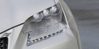 Lexus stellt Hybrid-Limousine LF-Gh vor