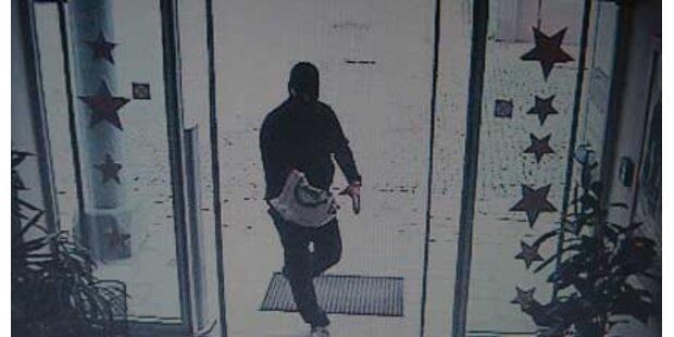 Maskierter Mann überfiel Bank