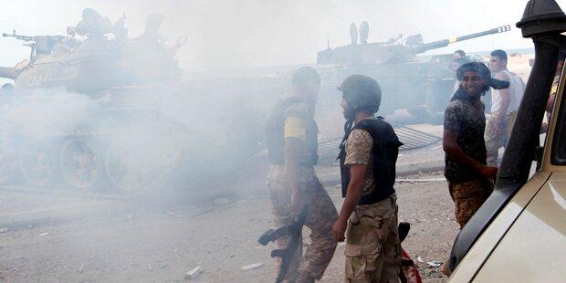 Libyen: Angriff auf Stützpunkt fordert über 100 Tote