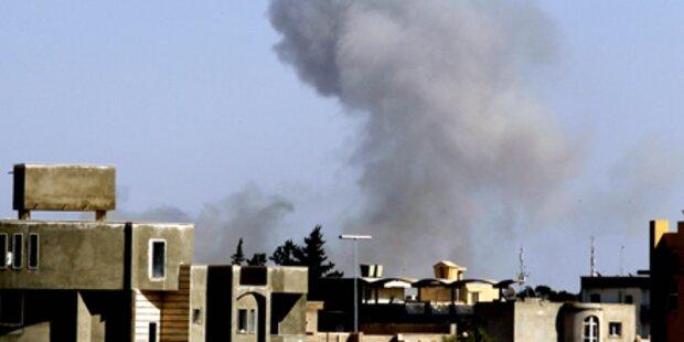 Schwere Explosionen in Tripolis