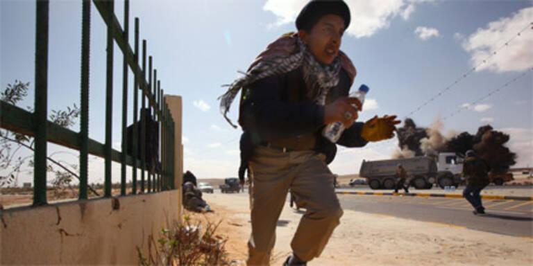 Gaddafi-Truppen nehmen Suara ein