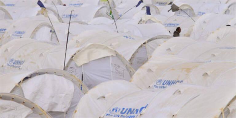 Hunderttausende fliehen aus Libyen