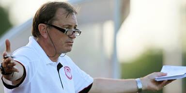 AEK Athen setzt Coach Lienen vor die Tür