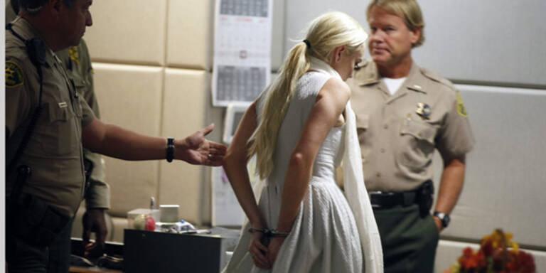 Lindsay Lohan in Handschellen abgeführt