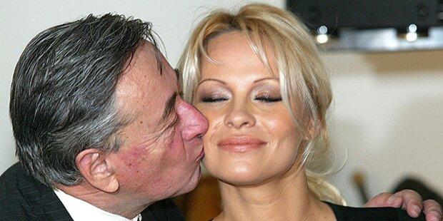 Pamela Anderson erneut zu Besuch bei Lugner