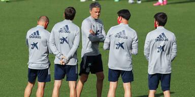 Spaniens Nationalteam-Trainer Luis Enrique beim EM-Training