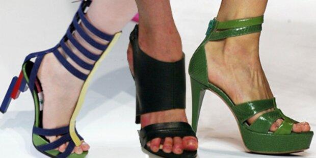 Bunte Luxus-Sandalen für den Frühling