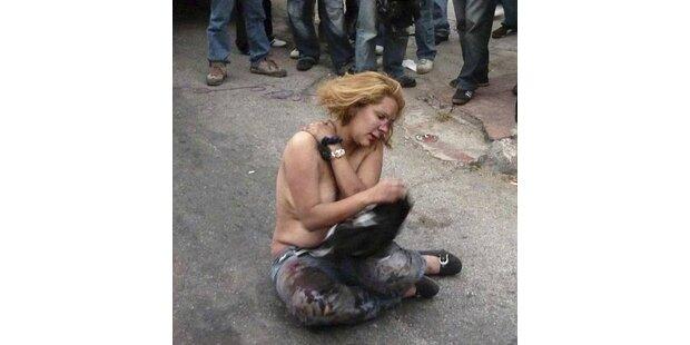 Wütender Mob lyncht diese Frau