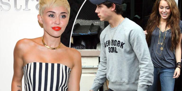Cyrus: Datet sie ihren Ex Nick Jonas?