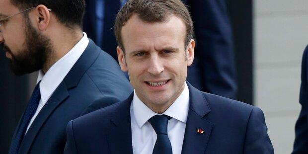 Macron verspricht Wiederaufbau in fünf Jahren