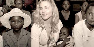 Madonna mit der kleinen Mercy