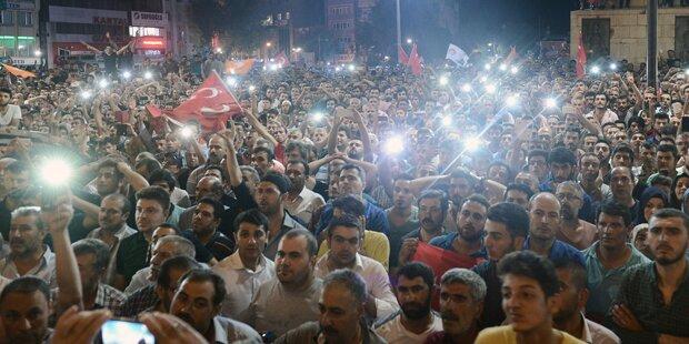 AKP-Anhänger provozieren Aleviten in Osttürkei