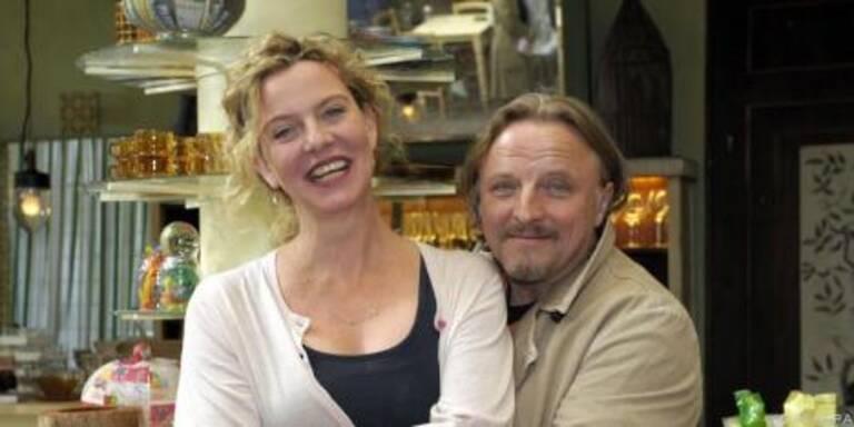 Margarita Broich und Axel Prahl am Set