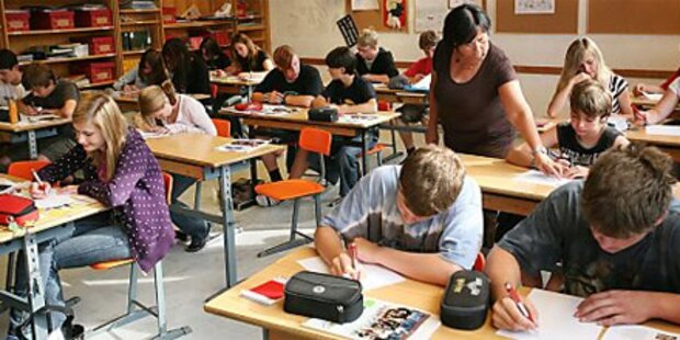 Zentral-Matura an 379 Schulen