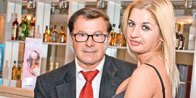 Rotlicht-Boss 'brach' in eigene Villa ein