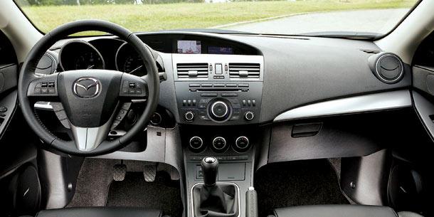 Mazda3FL_2011_interior.jpg