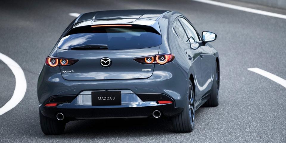 Mazda3_2019-960-off73.jpg