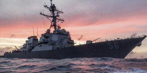 US-Kriegsschiff rammt 183-Meter-Tanker