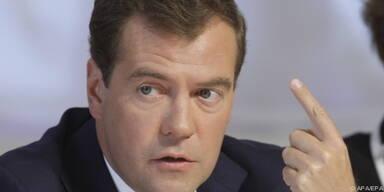 Medwedew: Erst 2012 erholt sich Wirtschaft wieder