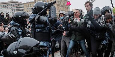 Mehr als 1000 Festnahmen bei Nawalny-Protesten in Russland