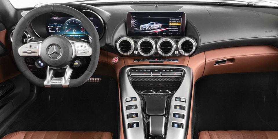 Mercedes-AMG-GT-fl-2019-of.jpg