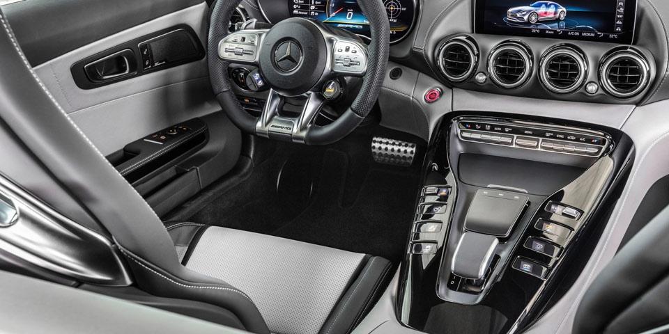 Mercedes-AMG-GT-fl-2019-of2.jpg