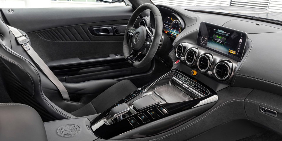 Mercedes-AMG-GT-fl-2019-of4.jpg