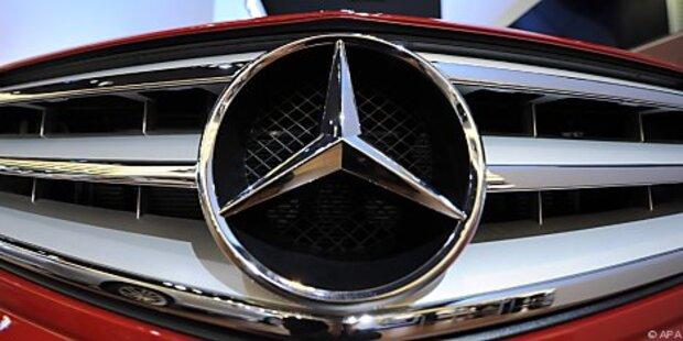 Diebe fuhren Mercedes zu Schrott