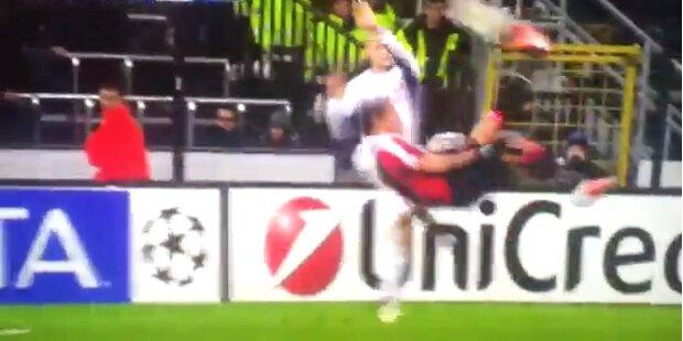 Fallrückzieher von Mexes a la Ibrahimovic