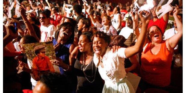 Hunderte Fans ehrten Michael Jackson