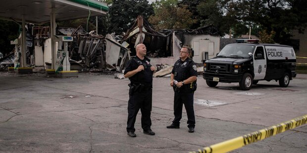 Schwarzer Ex-Polizist in Milwaukee wegen Totschlags angeklagt