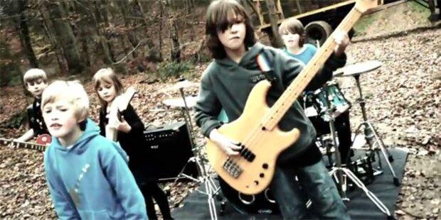 Süße Kinder rocken Metallica Hit