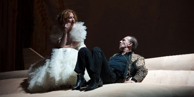 Minichmayr verzaubert Akademie Theater