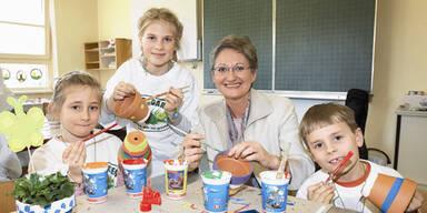 Ministerin Claudia Schmied Schule