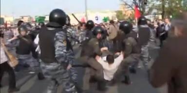 Gewalt in Moskau bei Demo gegen Putin