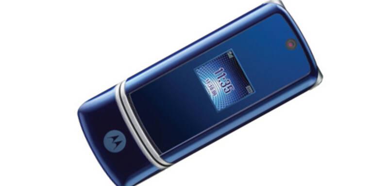 Motorola MOTOKRZR - Marktstart: 4.Quartal 2006; Preis: keine Angabe; Features: Sliderhandy, 2-Megapixel-Kamera, MPEG4-Videos in CIF-Auflösung (352 x 288 Pixel), Bluetooth, microSD-Kartensteckplatz, Musik-Player, Voice-Memo, EDGE, Java.