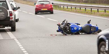 Umgestürztes Motorrad